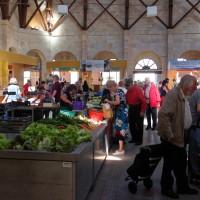 De overdekte markt van Saint-Jean d'Angély (regio Nouvelle Aquitaine)